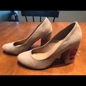 Faux Suede Tan Heels w/ Embroidery - Size 9